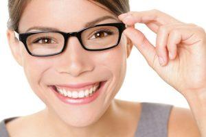 สวมแว่นถนอมสายตา